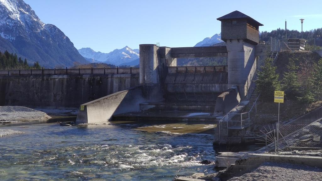 Krüner Wehr und Krüner Kraftwerk (2)